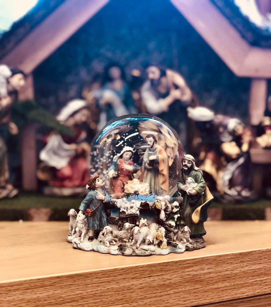 Christmas crib snowglobe